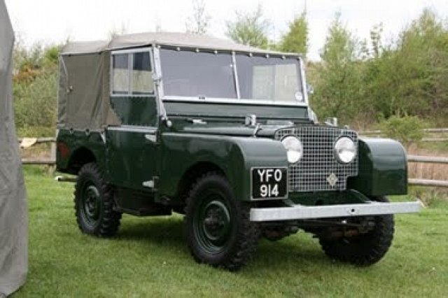 photo-by-romain-florent-on-land-rover-serie-s-carzz_117621_xl
