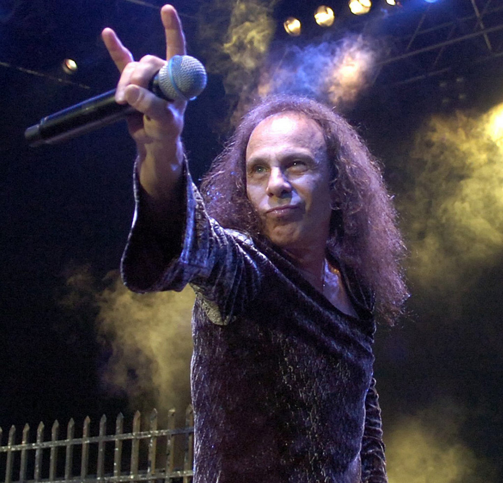 ronnie-james-dio-5425d643c784dddd